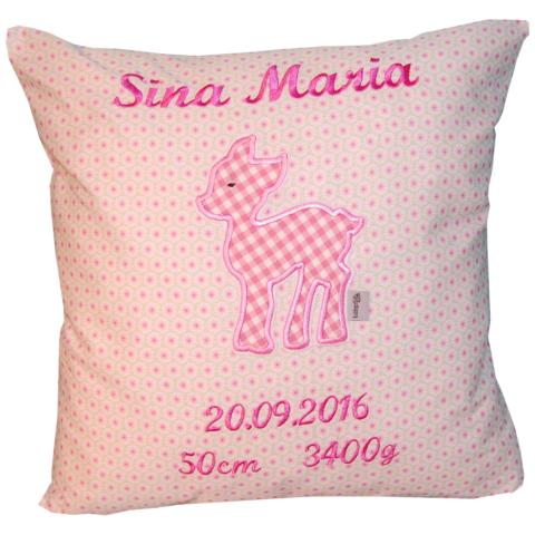 Kissen zur Geburt mit Reh, Namen und Daten in rosa von Lieblingsstücke