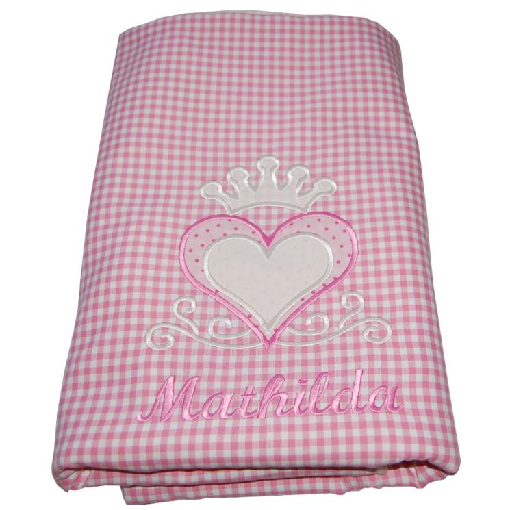 personalisierte Babydecke mit Herz-Krone, Namen in rosa-kariert von Lieblingsstücke 4330