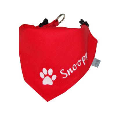 Hundehalstuch mit Namen und Pfote in rot mit weiß von Lieblingsstücke 4330