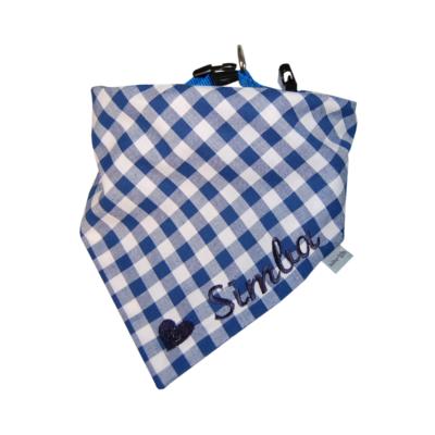 Halstuch für Hunde mit Namen in blau-kariert von Lieblingsstücke