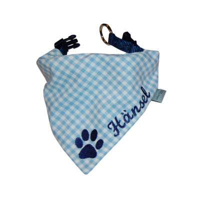 Halstuch für Hunde mit Namen und Pfote in blau-kariert von Lieblingsstücke